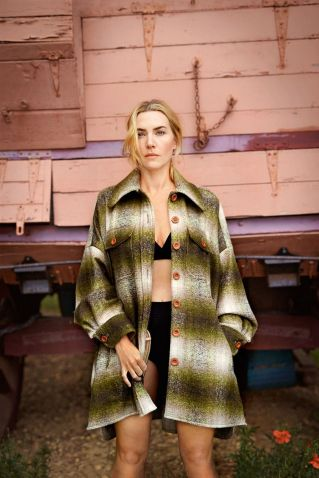Image from: http://www.glamourmagazine.co.uk/article/kate-winslet-cover-october-2018